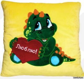 подушка с вышмвкой лого