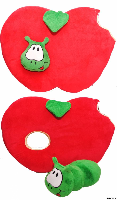 Червяк из яблок поделка
